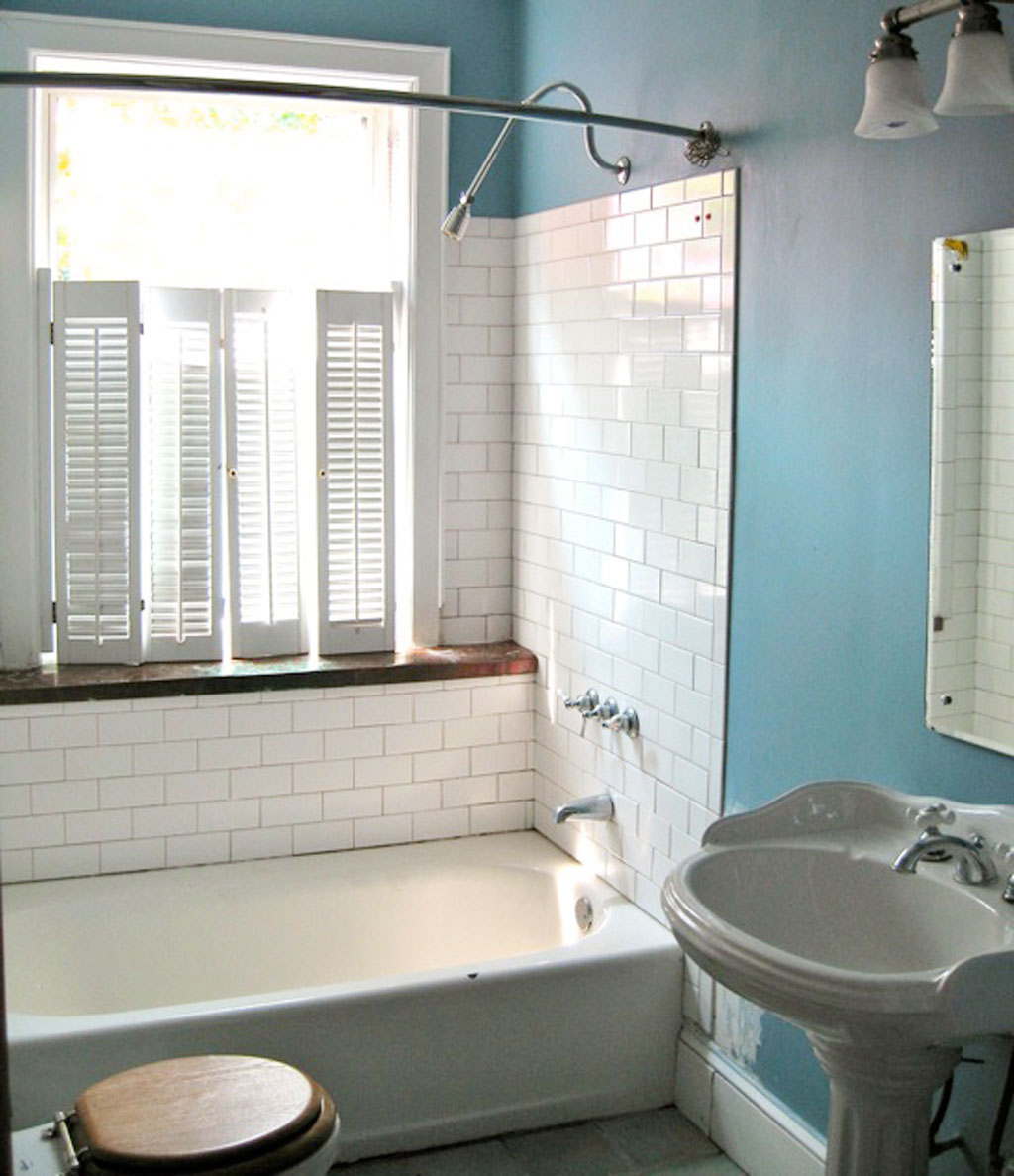 Get Great Air Circulation with Small Bathroom Windows | EwdInteriors