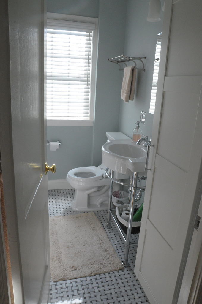 photo gallery of the ideas for small spaces bathroom