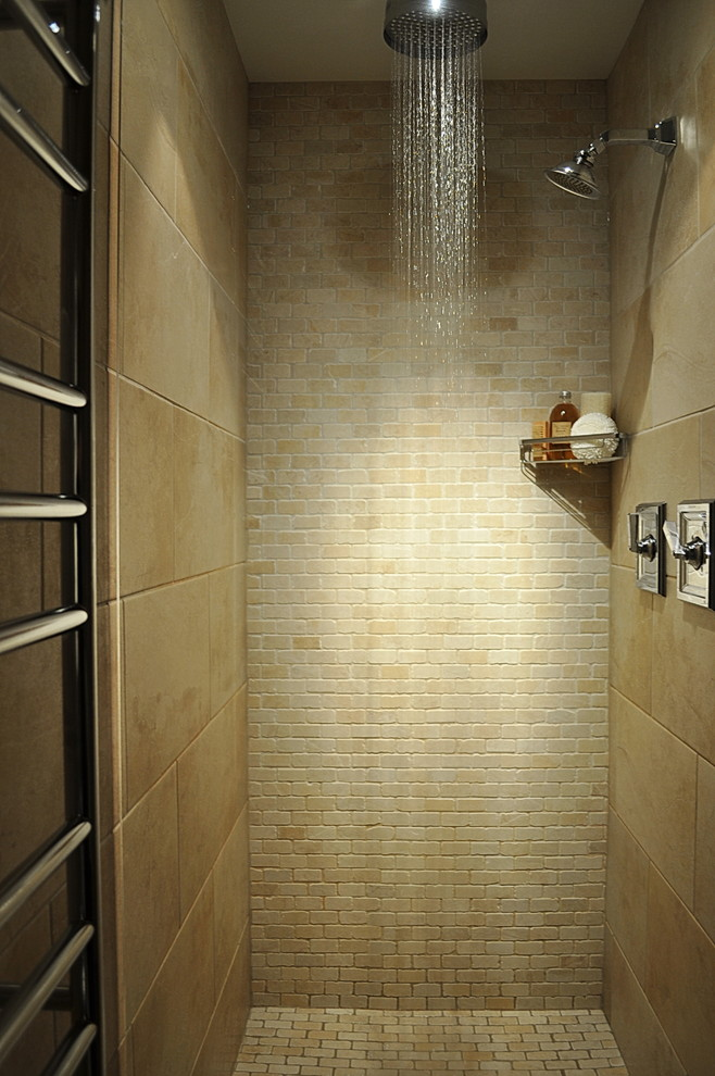 . Shower in Small Bathrooms   EwdInteriors