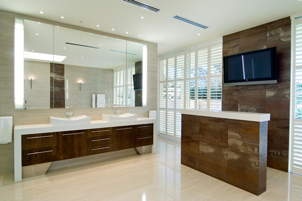 Master Bathroom Ideas. Modern Bathroom Suite With Impressive View