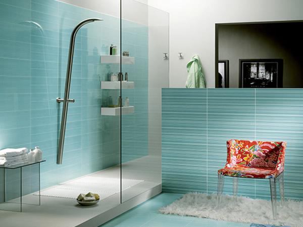 8 Top Rated Bathroom Glass Tile Designs