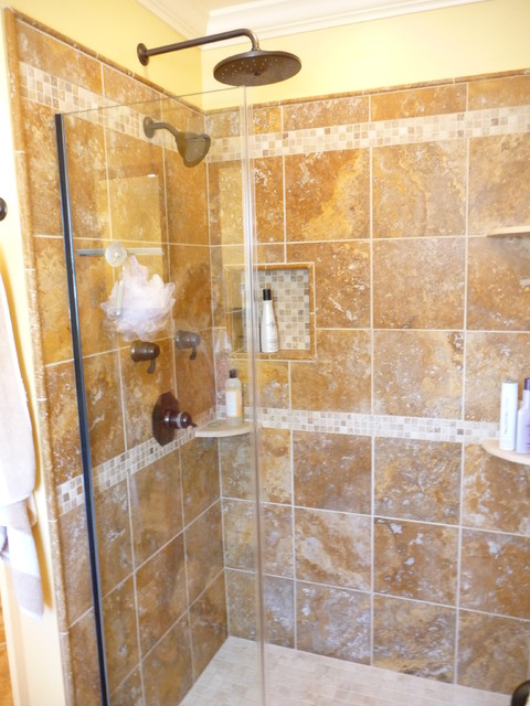 5 Beautiful bathroom travertine tile design ideas: Golden Travertine  Bathroom
