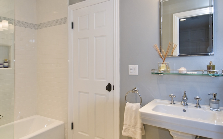 7 Photos Of The 7 Awesome Jeff Lewis Bathroom Design