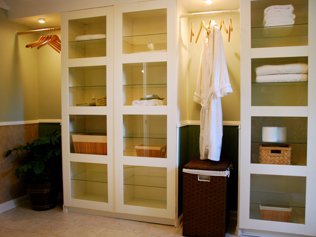 6 Brilliant Bathroom Closet Designs: Luxury Bathroom Closet Ideas Modern  Bathroom