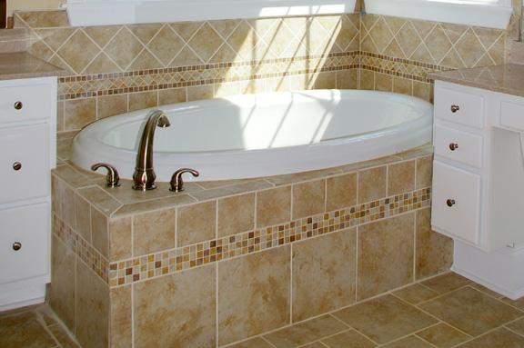 7 Best Rated Master Bathroom Tile Design Ideas