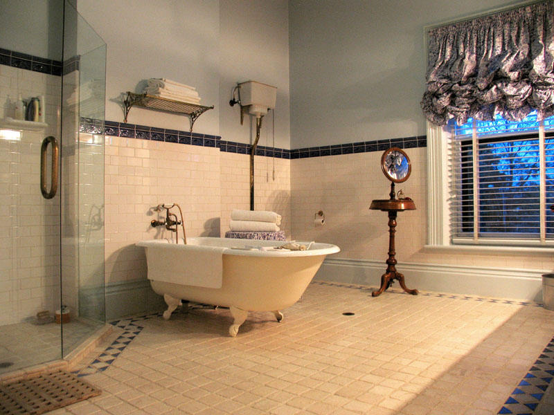 Traditional Bathroom Designs Ideas : EwdInteriors