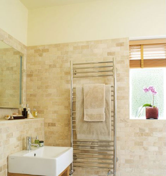 bathroom wall tile : EwdInteriors