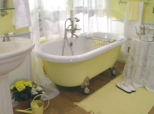 Wonderfull Clawfoot Tub Bathroom Designs EwdInteriors - Bathroom remodel ideas with clawfoot tub