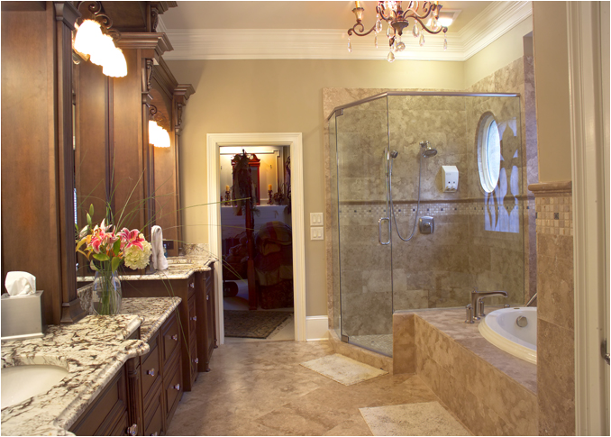 photo gallery of the luxurious traditional bathroom design