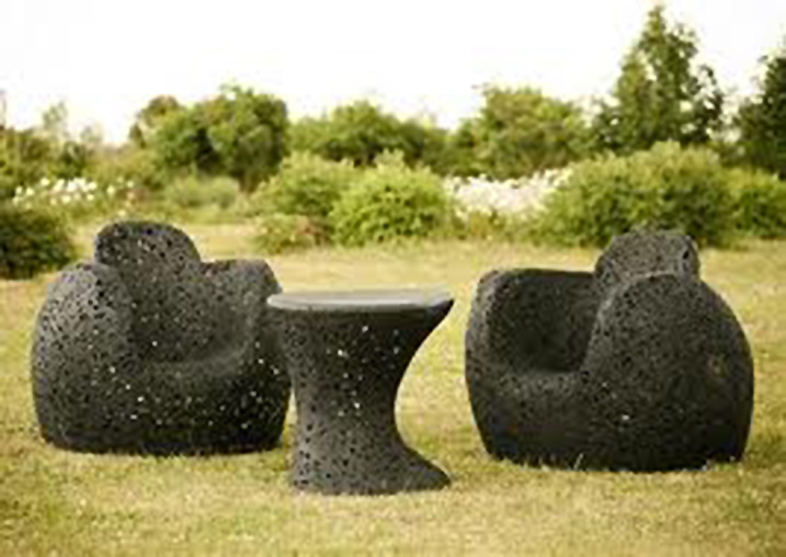 black patio chairs 2