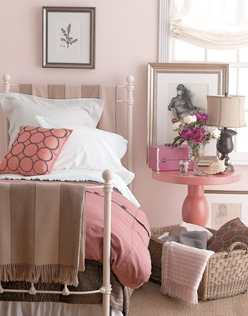 Amazing 5 Tips For Decorating Your Nightstand EwdInteriors Great Ideas