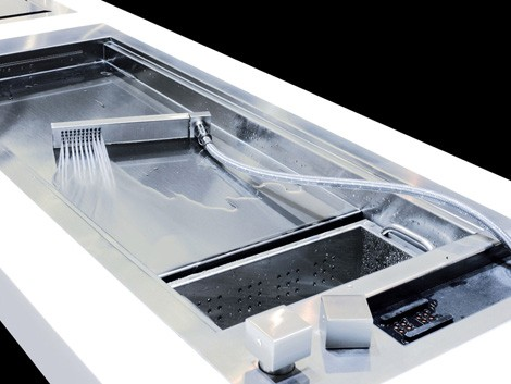 Shallow Prep Sink from Glem with a Cascading Water Jet : Glem Kitchen Sink Acquapiano 2