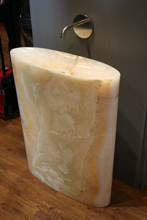 Stone Forest New Infinity Pedestal In Onix And It S Translucent